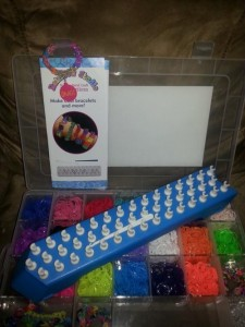 Peter Pauper Press Rainbow Studio Rubber Band Craft Kit