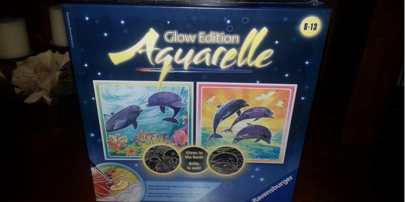 Aquarelle Glow watercolor painting kit