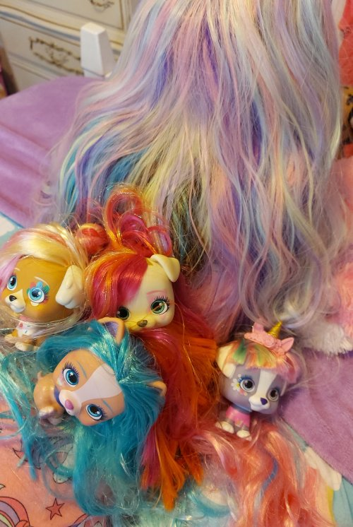 VIP Pets Surprise Hair Reveal Doll